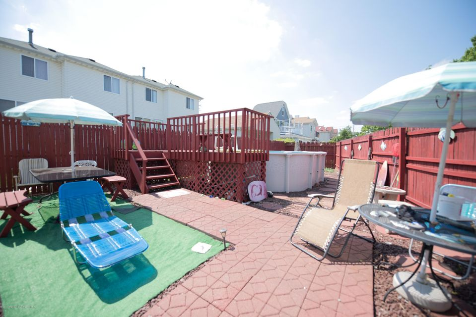 Additional photo for property listing at 32 Linda Avenue  Staten Island, New York 10305 United States