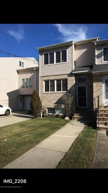 Additional photo for property listing at 589 Bloomingdale Road  Staten Island, New York 10309 United States