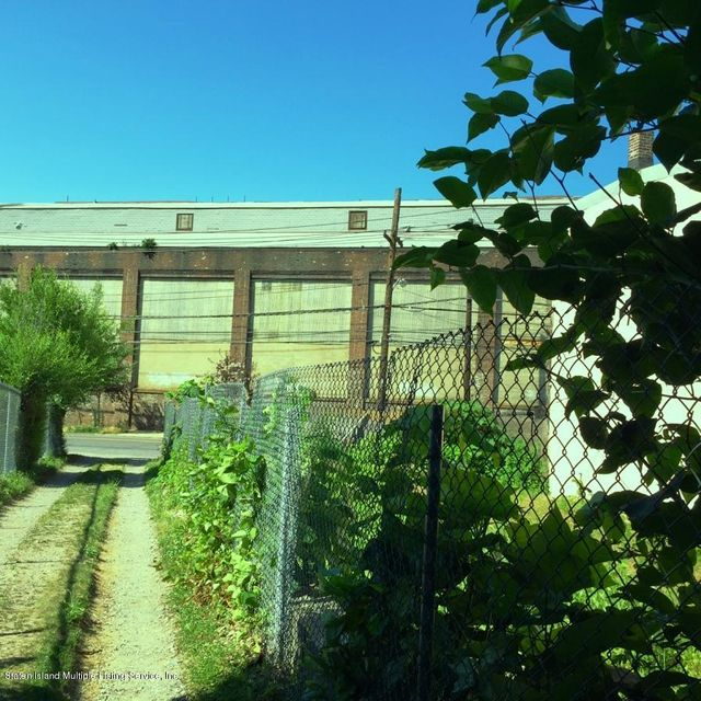 Additional photo for property listing at 3018 Richmond Terrace  Staten Island, New York 10303 United States