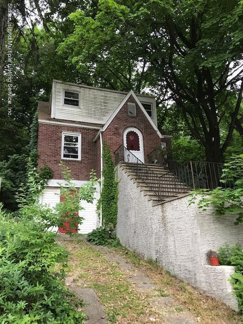 8 Woodside Avenue, Staten Island, NY 10304