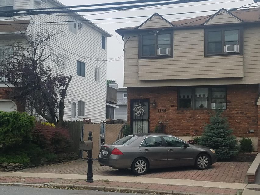 Single Family Home for Sale at 1134 Rockland Avenue Staten Island, New York 10314 United States
