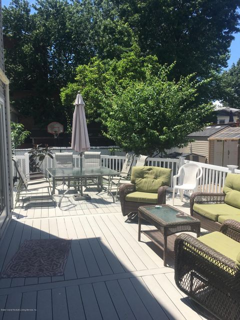 Additional photo for property listing at 1550 Drumgoole Rd  Staten Island, New York 10312 United States