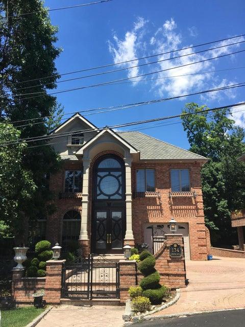 134 Ridge Avenue, Staten Island, NY 10304