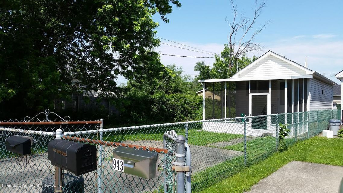Single Family Home for Sale at 945 Olympia Boulevard Staten Island, New York 10306 United States
