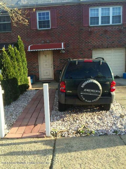 Single Family Home for Sale at 98 Jules Drive Staten Island, New York 10314 United States