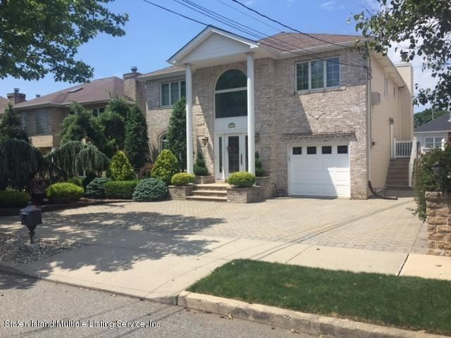 Single Family Home for Rent at 212 Aspinwall Street Staten Island, New York 10307 United States