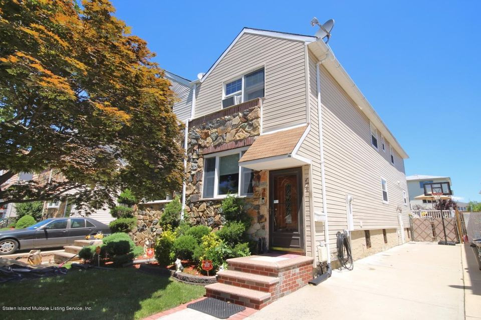 471 Adams Avenue, Staten Island, NY 10306