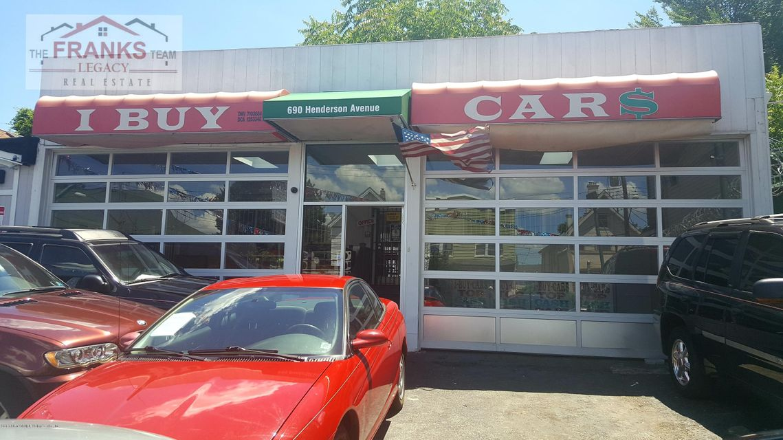 Commercial for Sale at 690 Henderson Avenue Staten Island, New York 10310 United States