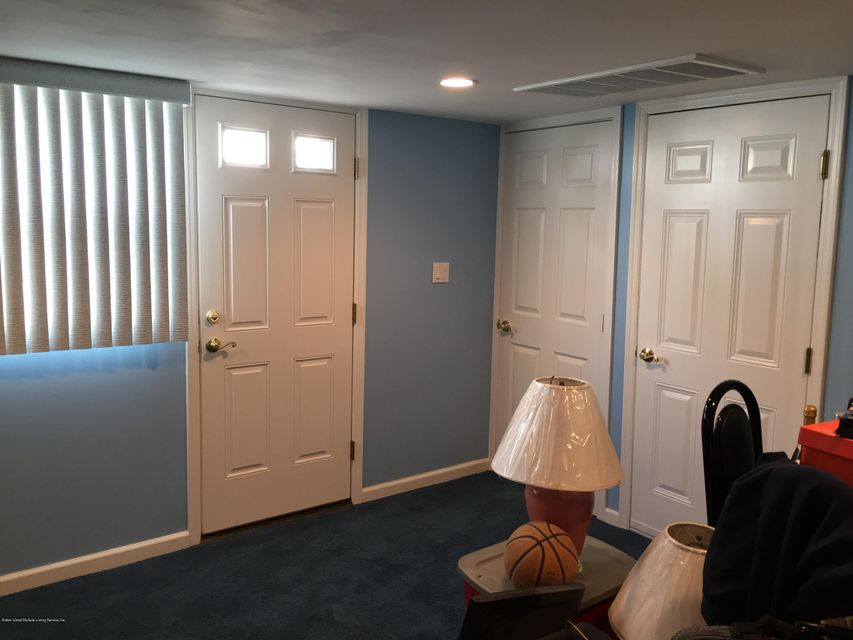 Additional photo for property listing at 583 Naughton Avenue  Staten Island, New York 10305 United States