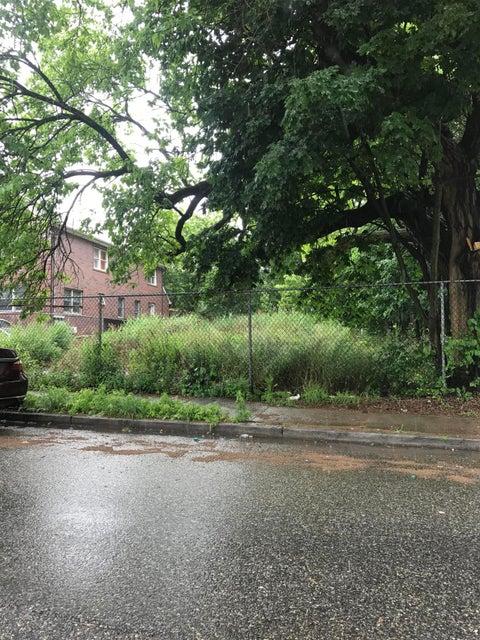 328 Seguine Avenue, Staten Island, NY 10309