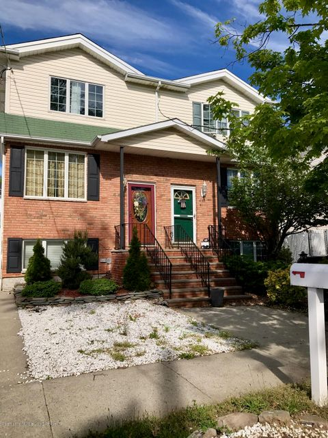 Single Family - Semi-Attached in Tottenville - 446 Manhattan Street  Staten Island, NY 10307