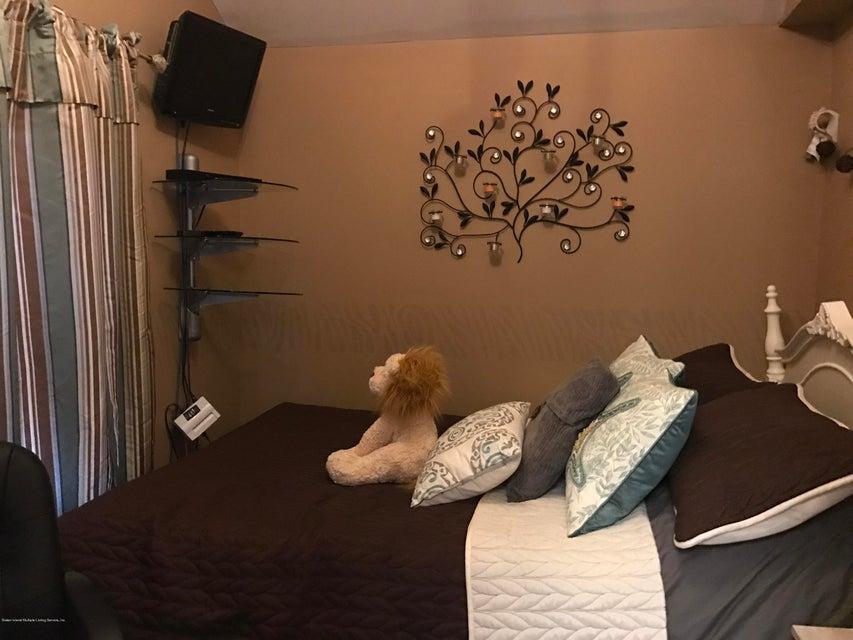 Additional photo for property listing at 424 Eltingville Boulevard  Staten Island, New York 10312 United States