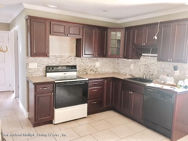 Additional photo for property listing at 127 Duckpond Drive N  Wantagh, New York 11793 United States