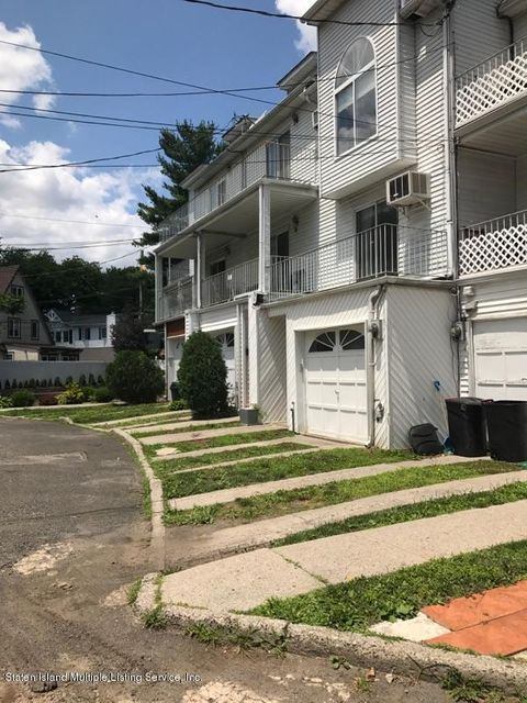 Additional photo for property listing at 19 Gail Court  Staten Island, New York 10306 United States