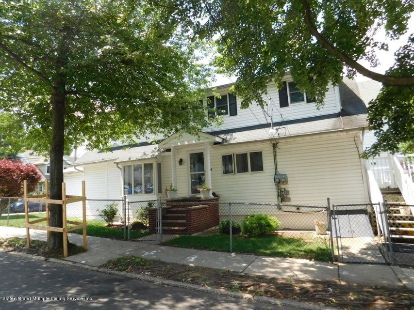 Single Family Home for Sale at 687 Delafield Avenue Staten Island, New York 10310 United States