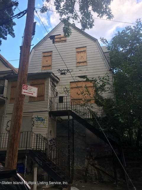 Additional photo for property listing at 2258 Aqueduct Avenue  Bronx, New York 10453 United States