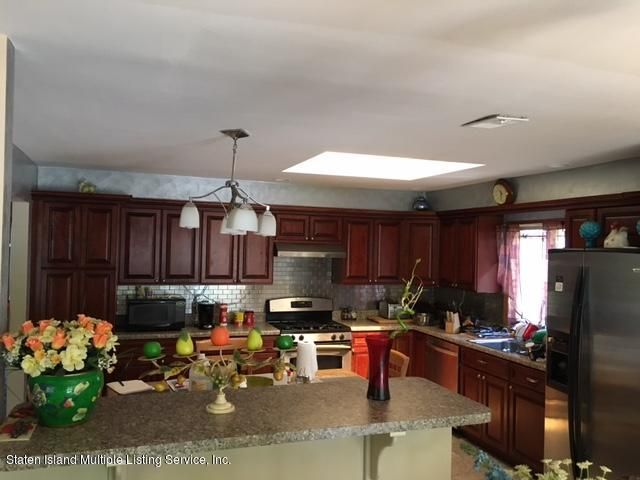 Additional photo for property listing at 73 Remsen Street  Staten Island, New York 10304 United States