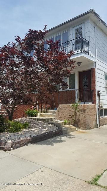 Single Family Home for Sale at 45 Blueberry Lane Staten Island, New York 10312 United States