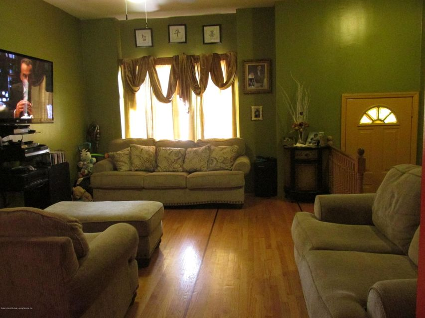Additional photo for property listing at 99 Sumner Place  Staten Island, New York 10301 United States