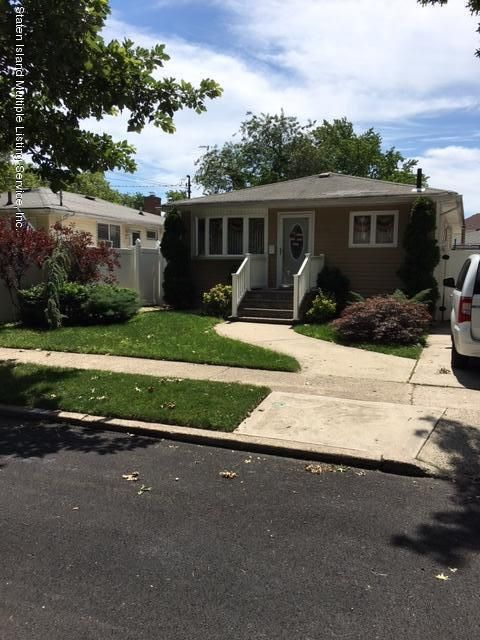 Single Family Home for Sale at 458 Falcon Avenue Staten Island, New York 10306 United States
