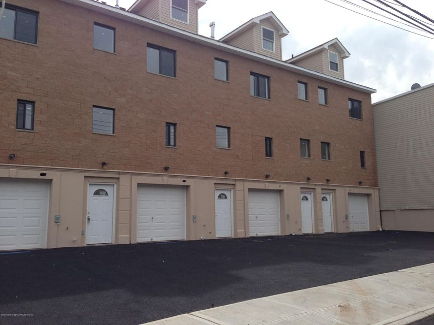 Commercial for Rent at 49 Broad Street Staten Island, New York 10304 United States