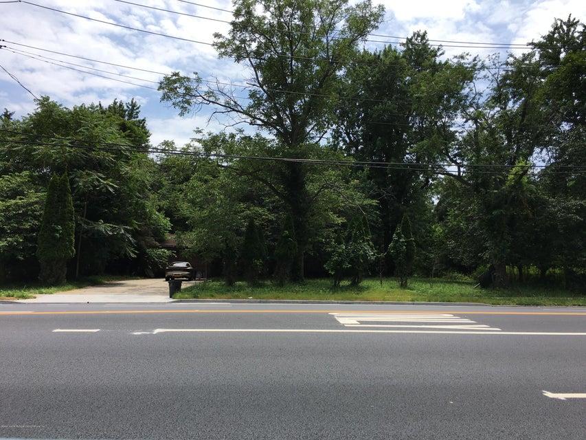 Additional photo for property listing at 6650 Hylan Blvd  Staten Island, New York 10309 United States