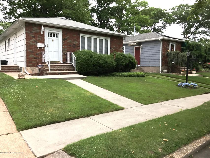 Single Family - Detached 7 Cloverdale Avenue  Staten Island, NY 10308, MLS-1111971-2