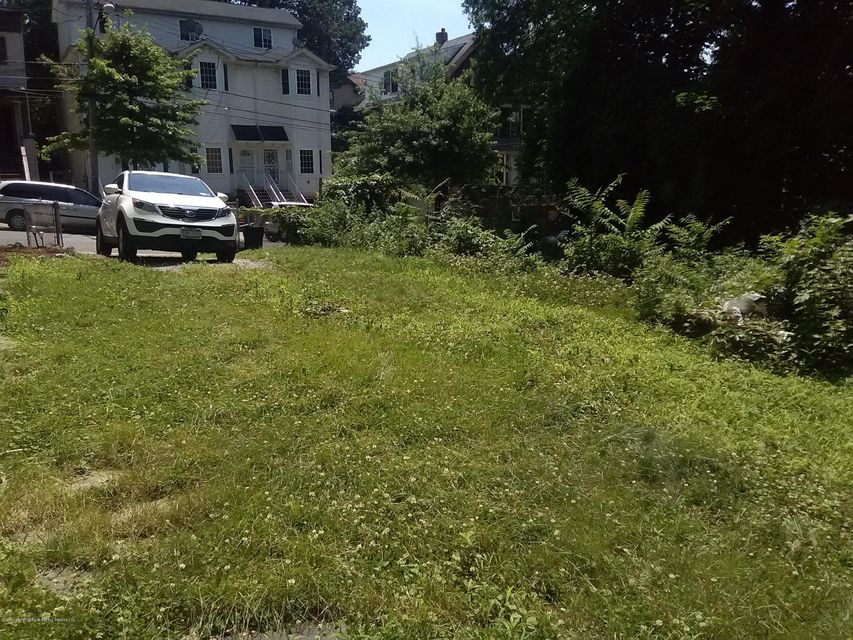 Additional photo for property listing at 31 Layton Avenue  Staten Island, New York 10301 United States