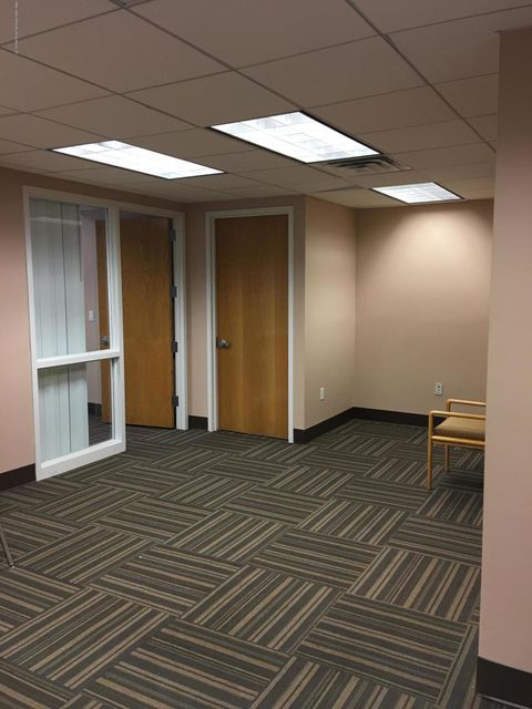 Commercial for Rent at 1946 Victory Boulevard Staten Island, New York 10314 United States