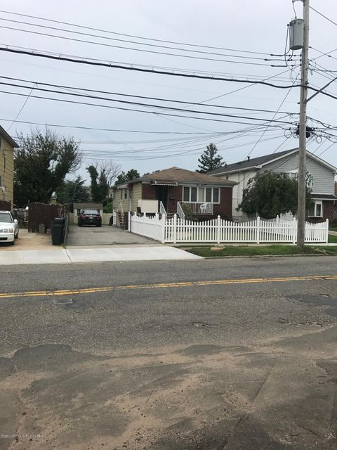 Additional photo for property listing at 216 Olympia Boulevard  Staten Island, New York 10305 United States