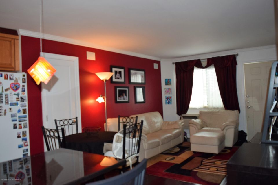 Additional photo for property listing at 360 Barlow Avenue  Staten Island, New York 10309 United States