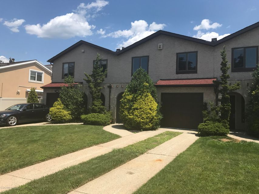 Single Family Home for Rent at 435 Tennyson Drive Staten Island, New York 10312 United States