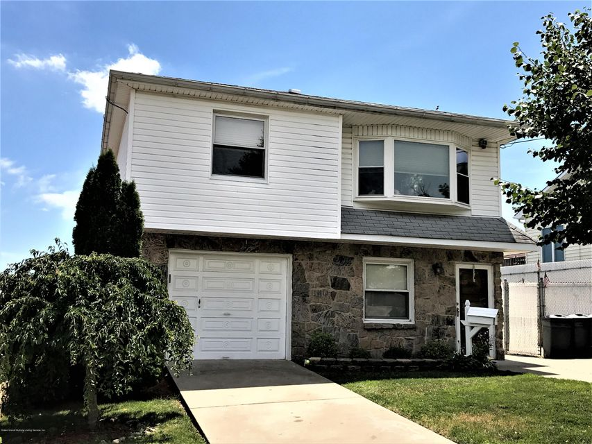 Single Family Home for Sale at 748 Sinclair Avenue Staten Island, New York 10312 United States