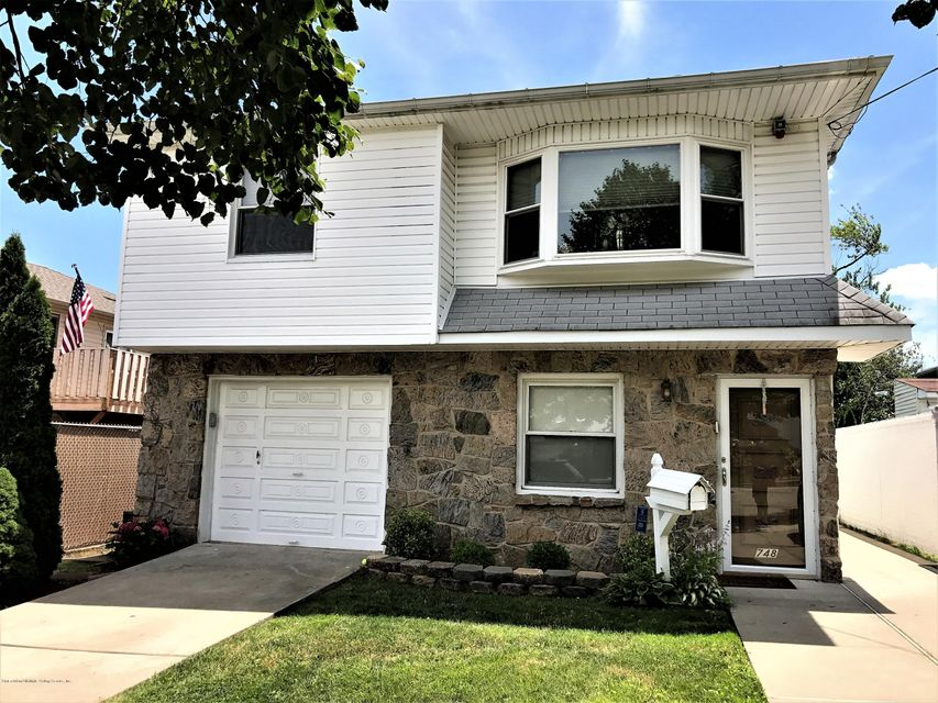 Two Family - Detached 748 Sinclair Avenue  Staten Island, NY 10312, MLS-1112067-11