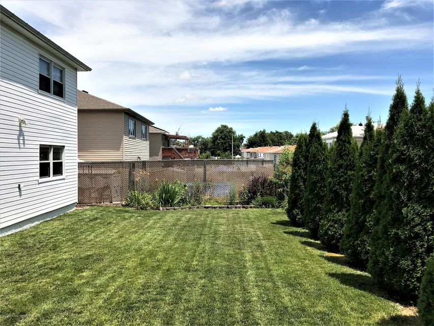 Two Family - Detached 748 Sinclair Avenue  Staten Island, NY 10312, MLS-1112067-8
