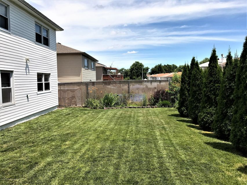Two Family - Detached 748 Sinclair Avenue  Staten Island, NY 10312, MLS-1112067-34