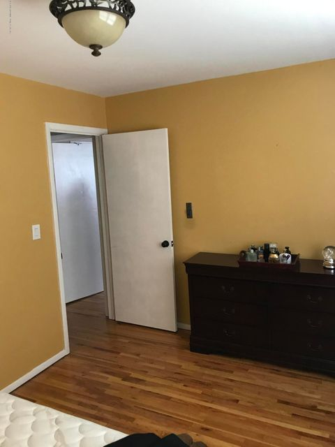 Two Family - Detached 748 Sinclair Avenue  Staten Island, NY 10312, MLS-1112067-47