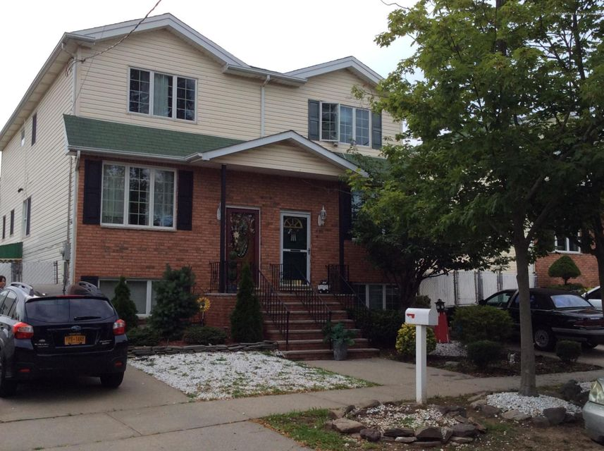 Single Family Home for Sale at 448 Manhattan Street Staten Island, New York 10307 United States