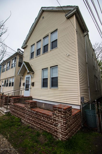 Additional photo for property listing at 22 Ely Street  Staten Island, New York 10301 United States