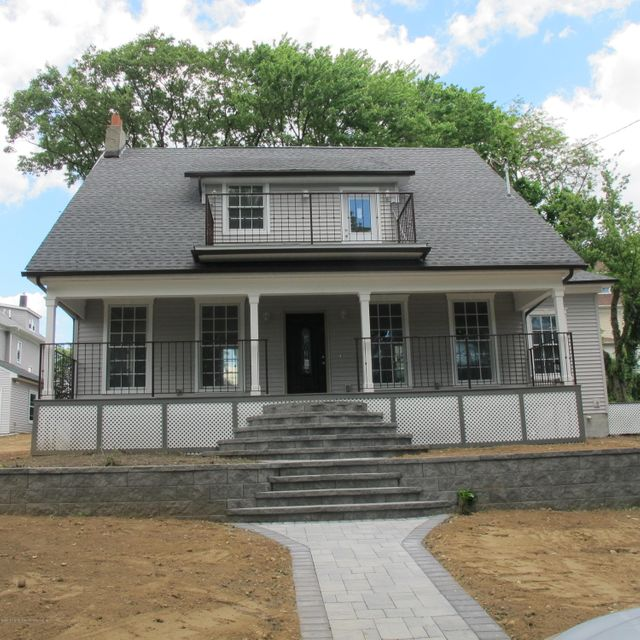 Single Family Home for Sale at 25 Creston Place Staten Island, New York 10304 United States