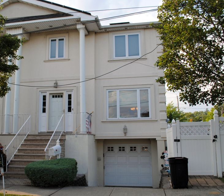 Single Family Home for Sale at 3 West Terrace Staten Island, New York 10312 United States