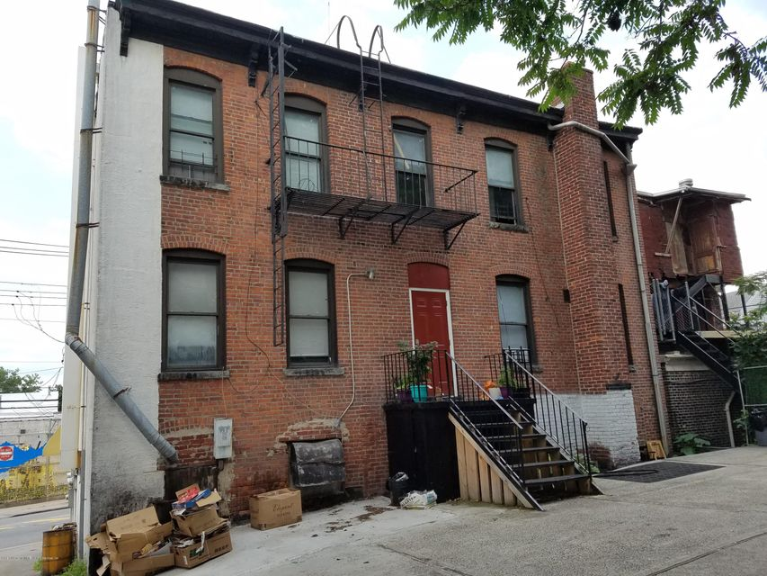 Additional photo for property listing at 1918-1920 Richmond Terrace  Staten Island, New York 10302 United States