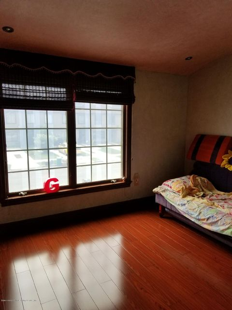 Additional photo for property listing at 903 Patterson Avenue  Staten Island, New York 10306 United States