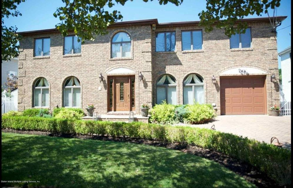 Single Family Home for Rent at 242 Finlay Street Staten Island, New York 10307 United States