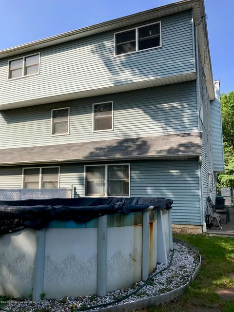 Additional photo for property listing at 114 Wild Avenue  Staten Island, New York 10314 United States
