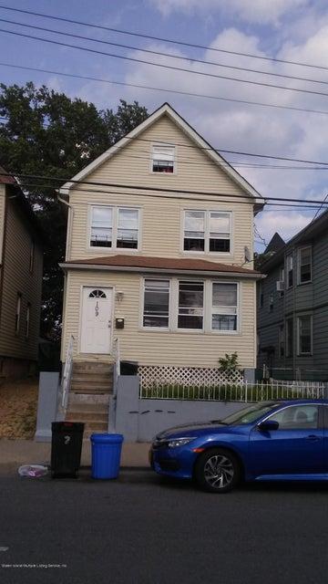 109 Lockman Avenue, Staten Island, NY 10303