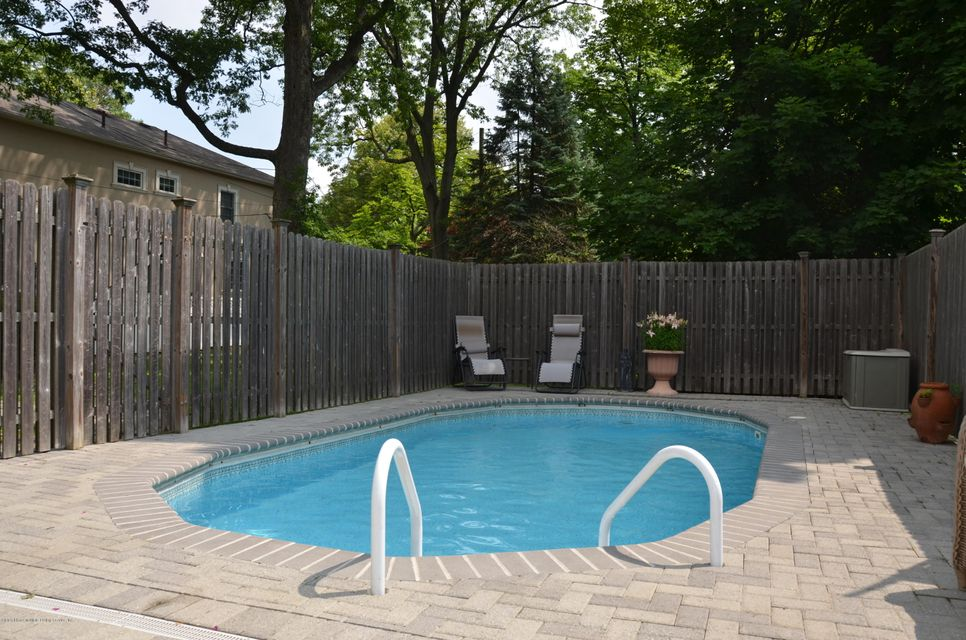 Additional photo for property listing at 40 Columbia Avenue  Staten Island, New York 10305 United States