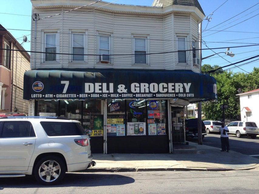 630 Henderson Avenue, Staten Island, NY 10310