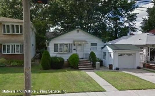 Single Family Home for Sale at 156 Byrne Avenue Staten Island, 10314 United States