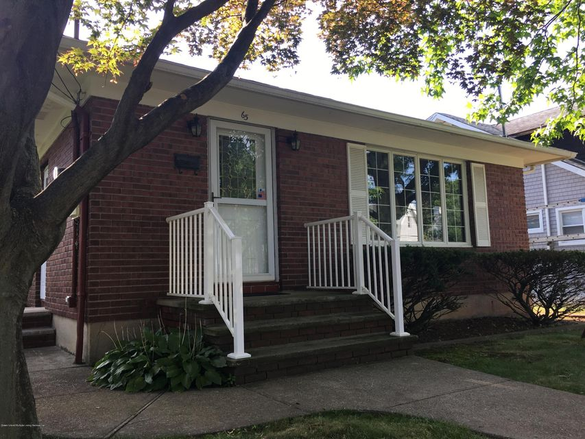 Single Family Home for Sale at 65 Summit Avenue Staten Island, New York 10306 United States